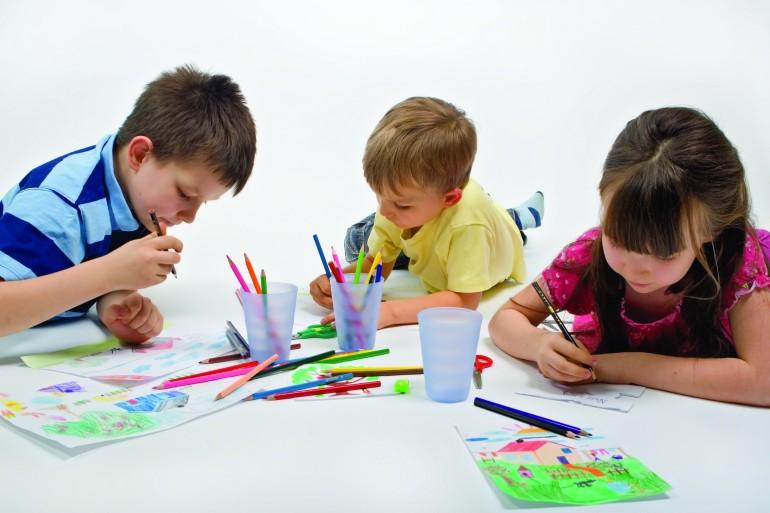 """""""Back to school"""" cu dulciuri delicioase și creioane colorate de la Fancy Bites"""