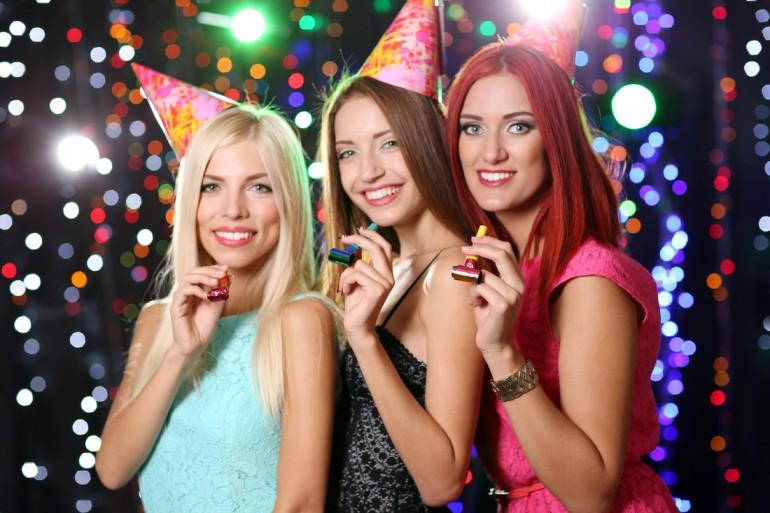 De Sf. Maria, comenzile online de dulciuri Fancy sunt însoțite de cadouri